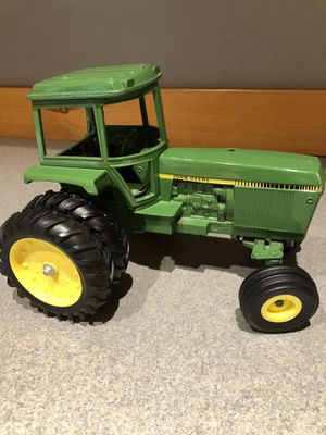 ERTL John Deere tractor 512-7216 for Sale in Kent, WA