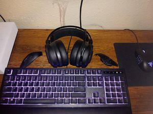 Razer set keyboard mouse and headset for Sale in Hockley, TX