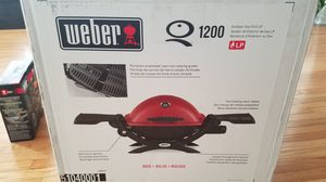 Weber 1200 BBQ grill, stand and bluetooth thermometer for Sale in Los Angeles, CA