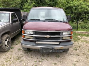 01 Chevy express for Sale in Quaker City, OH