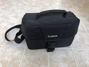 Canon DSLR shoulder bag 100ES for Sale in Herndon, VA