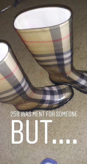 Burberry woman rain boots for Sale in Baltimore, MD