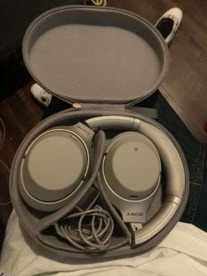 Sony Headphones WH-1000XM3 Wireless Noise Cancelling for Sale in Kennewick, WA