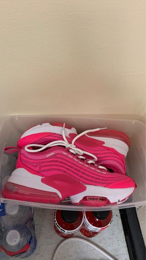 Nike air shoes size 7 for Sale in Atlanta, GA
