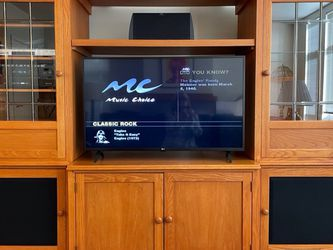 Entertainment Unit for Sale in Seattle,  WA