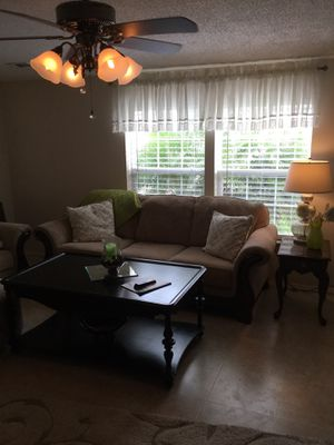 2 couches 2 tables 2 lamps for Sale in Auburndale, FL