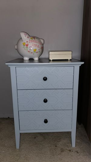 SMALL DRESSER for Sale in New York, NY