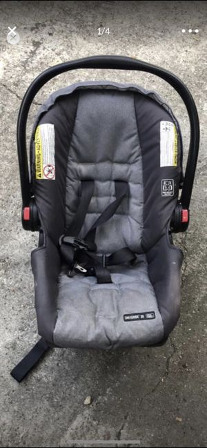 Graco car seat 1.5 year old for Sale in Houston, TX
