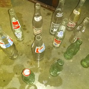 Vintage Pepsi And Coca Cola Bottles for Sale in Worthington, PA