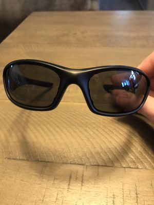 Brand new! Oakley Straight polarized sunglasses for Sale in Lake in the Hills, IL