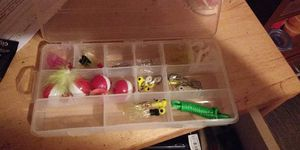 Small tackle box for Sale in Pasadena, TX