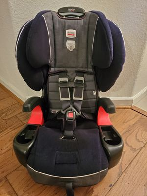 Britax Frontier ClickTight Harness Booster Car Seat. Expires 4/2023. Very clean & in great condition. Paid over $300 with tax for Sale in Visalia, CA