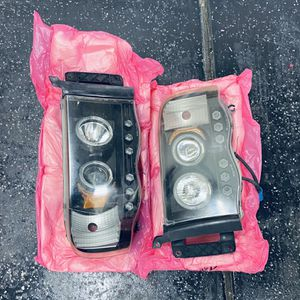 Dodge Ram LED Projector Headlight (Black Housing) + HID Kit for Sale in Las Vegas, NV
