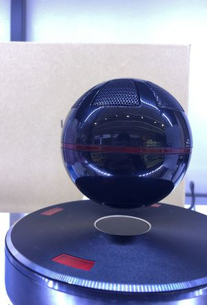 Levitating Bluetooth speaker. Good quality for Sale in New York, NY