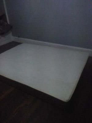 Queen size box spring mattress for Sale in Parma, OH