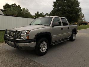 2004 chevy silverado LT 4x4 for Sale in Tampa, FL