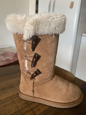 Beautiful warm girl boots for Sale in Imperial Beach, CA