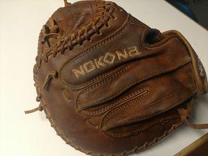 Nokona 3250 Softball Catchers Glove for Sale in Vancouver, WA