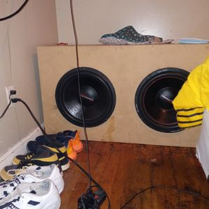 "Two American bass 15"" Subs And 1800w Aclp Audiopipe Amp for Sale in Montgomery, AL"