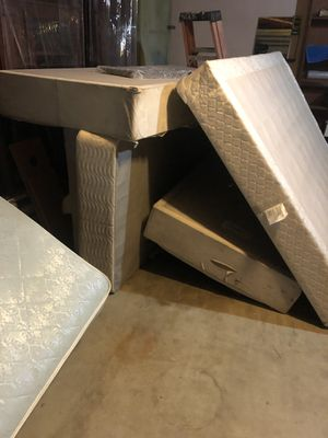 King boxsprings for Sale in Colton, CA