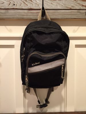 Excellent condition ll bean deluxe black backpack for Sale in Clovis, CA