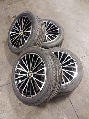 Ocenti racing rims 17 inch w/ All four tires for Sale in Baltimore, MD