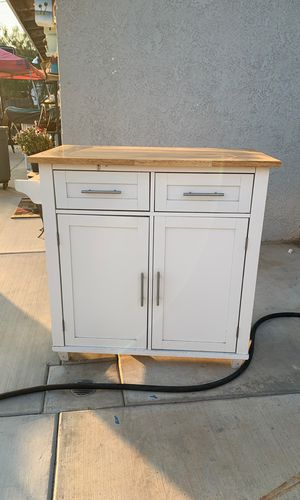 Kitchen island for Sale in Riverside, CA