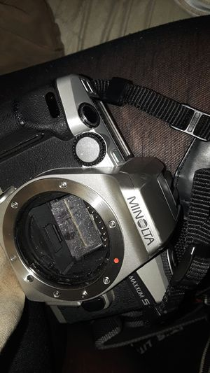 Minolta Maxxum 5 35mm film camera for Sale in Vallejo, CA