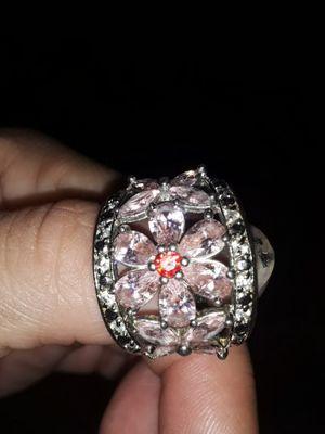 Size 8 flower ring for Sale in Avon Park, FL