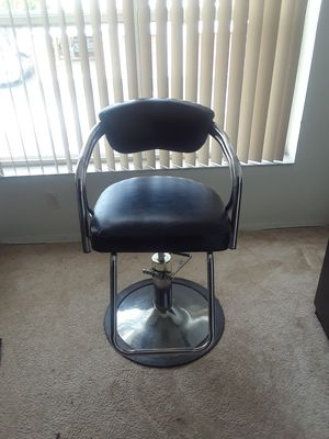 salon chair and Salon station for Sale in Port St. Lucie, FL