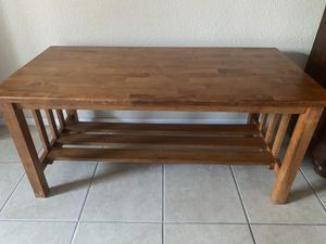 Beautiful coffee table in excellent conditions for Sale in North Las Vegas, NV