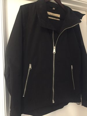 New Authentic Burberry Men Windbreaker Jacket Size M/L for Sale in Tolleson, AZ