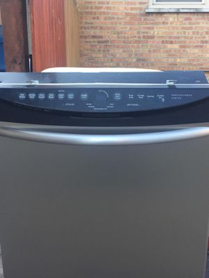 Used dishwasher good condition stainless steel for Sale in Chicago Ridge, IL
