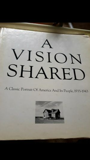 IL. 1976 A VISION SHARED. 1935-1943. Hank O'Neal. for Sale in Bolingbrook, IL