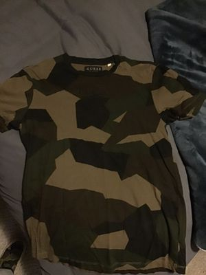 Guess Los Angeles Camo Tee (M) for Sale in Monterey, CA