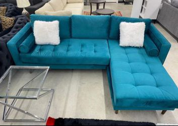 🌻❤️🦋Nora Teal Velvet Reversible Sofa Chaise with 2-Type Leg Sets💙 for Sale in Houston,  TX