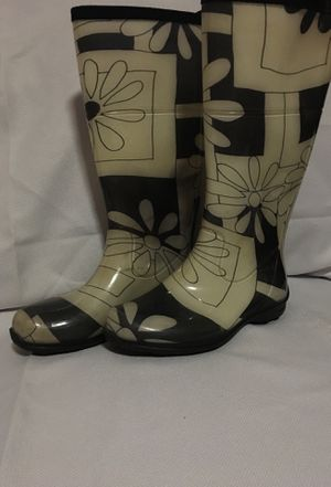 Kamik rain boots for Sale in Gretna, LA