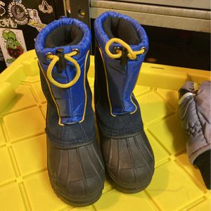 Kids Snow boots Size 13 for Sale in Costa Mesa, CA