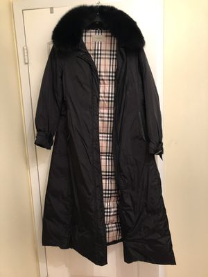 Burberry floor length down coat with fur collar for Sale in Chicago, IL