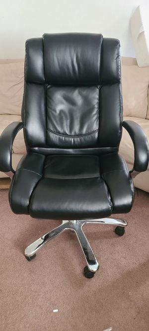 Black leather office chair... for Sale in Colorado Springs, CO