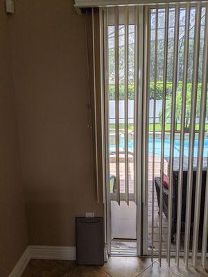 PetSafe Pet Door, Doggy Door for Sale in Clermont, FL