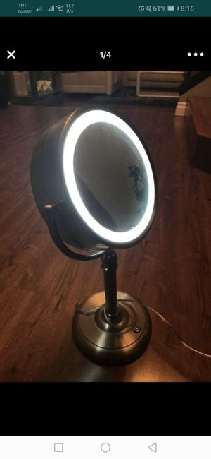 Sunter Natural Daylight Vanity Makeup Mirror 1x and 10x for Sale in San Marcos, CA