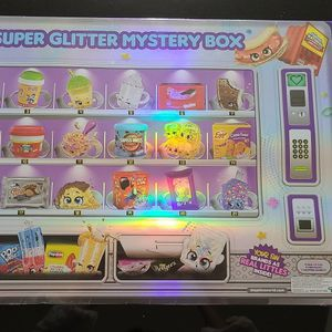 Shopkins Real Littles Super Glitter Box Set 197 pieces for Sale in Phoenix, AZ