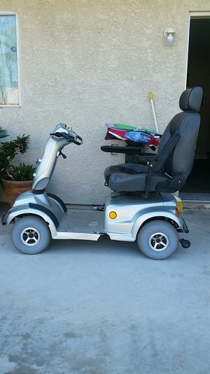 Saling my mother's scooter. She passed . Don't want to sale it this means a lot to mean but times are tuff god bless for Sale in Fontana, CA