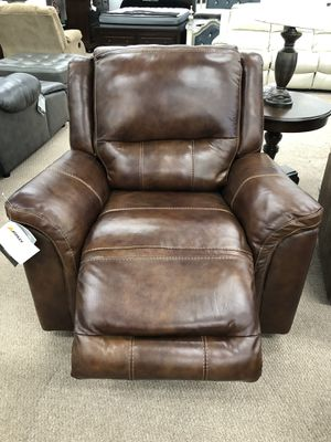Genuine leather power recliner rocking chair for Sale in Elgin, IL