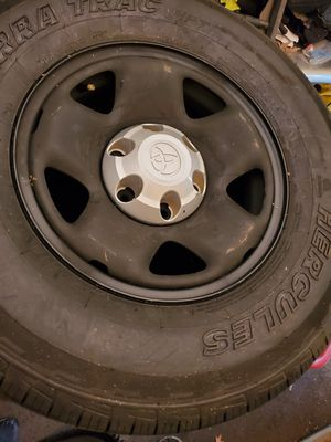 Toyota tacoma rims and tires for Sale in Hackensack, NJ