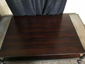 Chair and coffee table for Sale in Crewe, VA
