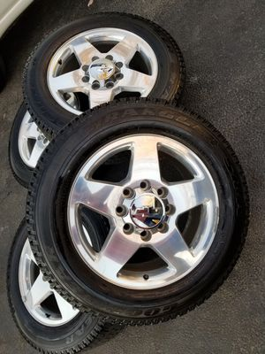 "20"" Chevy Silverado ltz Z71 HD 2500 stock wheels tires LIKE NEW! for Sale in Bolingbrook, IL"