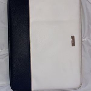 Black and White Kate Spade Macbook Protective Holder for Sale in St. Petersburg, FL
