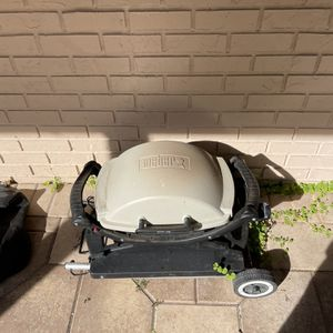 Weber Portable Grill for Sale in Fort Lauderdale, FL